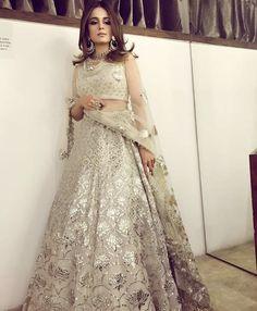 Divani Pakistan outfit .