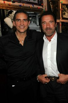 Jim Caviezel Photos - Actors Arnold Schwarzenegger and Jim Caviezel attend the 'Escape Plan' after party at Buca di Beppo on October 2013 in New York City. - 'Escape Plan' Afterparty in NYC Jim Caviezel, Person Of Interest Cast, Bill Pullman, Tommy Flanagan, South By Southwest, Escape Plan, James Patrick, Arnold Schwarzenegger, Photo L
