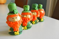 Sugar Swings! Serve Some: leprechaun cupcakes
