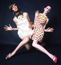 Photographed by Sandra Lousada for Petticoat magazine, 1967 1967 Fashion, Seventies Fashion, Retro Fashion, Girl Fashion, Vintage Fashion, Fashion Colours, Vintage Costumes, Dress Patterns, Fashion Photography