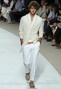 Hermes s/s.  Love the cream, white, and caramel colors used.  This is perfect resort wear.