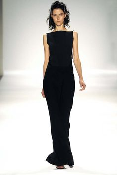 I adore this! Xavier Bardem, Dark Fashion, High Fashion, Dress Skirt, Dress Up, Runway Fashion, Fashion Outfits, Classic Black Dress, Designer Gowns