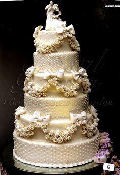 Bolos - Casamento   Casal Garcia - Bolos e Bem-casados Amazing Wedding Cakes, Elegant Wedding Cakes, Wedding Cake Designs, Wedding Cake Toppers, Amazing Cakes, Wedding Ideas, Bolo Artificial, Country Wedding Cakes, Fake Cake
