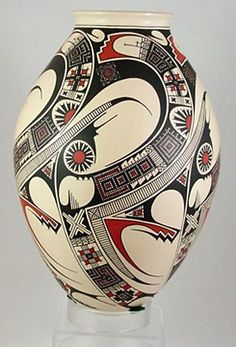 "Stunnng Mata Ortiz 14"" Museum Quality Pottery by Damian Quezada, Refined elegance."