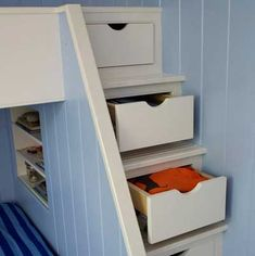 At the foot of the bunk bed, built-in drawers and recessed shelves create fun and clever storage opportunities. Bunk Beds Built In, Bunk Beds With Stairs, Cool Bunk Beds, Kids Bunk Beds, Cape Style Homes, Recessed Shelves, Elevated Bed, Loft Spaces, How To Make Bed
