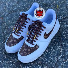 Custom made Nike Sneakers – Katty Customs Jordan Shoes Girls, Girls Shoes, Ladies Shoes, Cute Sneakers, Shoes Sneakers, Shoes Men, Women's Shoes, Nike Shoes Air Force, Aesthetic Shoes