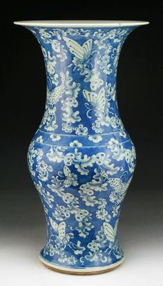 """A Big Chinese Antique Blue & White Porcelain Vase: of Mid-Qing Dynasty; blossom and butterflies, white on blue. Size: H: 20"""""""