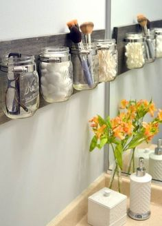 Simple and convenient form of aesthetic display and storage.