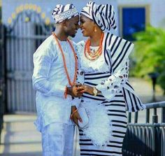 Hello here are some lovely African traditional wedding attires that makes wedding ceremonies look more colourful. Couples African Outfits, African Dresses Men, Latest African Fashion Dresses, Couple Outfits, African Print Fashion, African Wedding Attire, African Attire, African Wear, African Traditional Wedding Dress