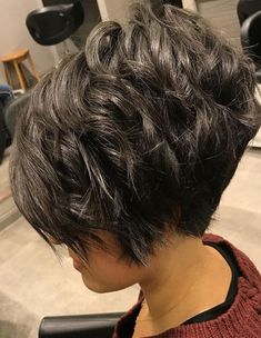 Curly Layered Pixie Bob Hairstyles for Spring 2018