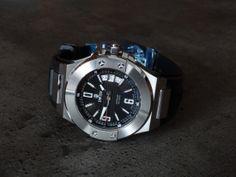Dwiss emme watch Wolf Design, Smart Watch, Watches, Accessories, Smartwatch, Clocks, Clock, Ornament