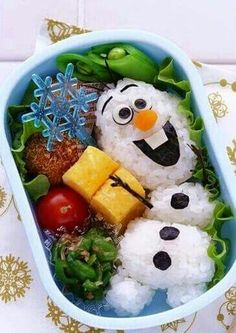 Olaf bento box made with Sushi Comida Disney, Disney Food, Disney Inspired Food, Cute Food, Good Food, Yummy Food, Kreative Snacks, Food Art For Kids, Kawaii Bento