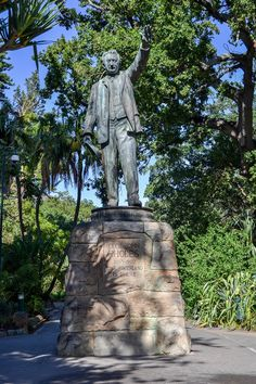 7 more statues from our colonial past we found in Cape Town John Rhodes, University Of Cape Town, Free State, Citizenship, Founded In, Monuments, Statues, Statue Of Liberty, Colonial