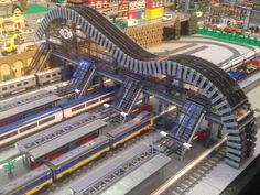 An amazing High-tech design on display at Sydney Brickshow 2015. I want to learn more about this model!