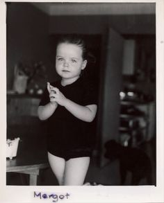 margot before she became margaux hemingway Margaux Hemingway, Mariel Hemingway, Young And Beautiful, Beautiful Babies, Photography Camera, Portrait Photography, Christopher Niquet, Jack Johns, Two Daughters