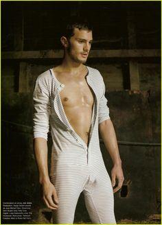 Jamie Dornan desnudo, el nuevo Christian Grey enseña la fusta