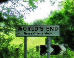 •♥•✿ڿڰۣ(̆̃̃•Aussiegirl #Signs  The village of World's End in Hampshire