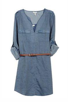 Guía de estilo: La primera escapada a la playa. Vestido camisero denim, de Joie (170€).