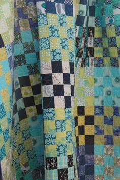 a show and tell with lots of pictures and a few words: cool sixteen : * on hobbs thermore batting gifted to. 16 Patch Quilt, Quilt Blocks, Blue Quilts, Scrappy Quilts, Diy Craft Projects, Crafts, Craft Ideas, Picnic Quilt, Patchwork Designs