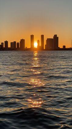 New York Sunset, Miami Sunset, Ocean Sunset, Miami Beach, Scenery Pictures, Sunset Pictures, Beautiful Photos Of Nature, Beautiful Sunset, Amazing Nature