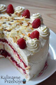 Tort Malinowa Rozkosz. Tort malinowy. Tort z frużeliną malinową i kremem.