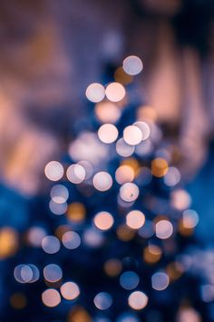 45 Free Stunning Christmas Wallpaper Backgrounds For iPhone - Get Cute Christmas Aesthetic Wallpaper Of Wallpaper, Screen Wallpaper, Wallpaper Backgrounds, Iphone Wallpaper Lights, Christmas Wallpaper Iphone Tumblr, Christmas Lights Wallpaper, Iphone Backgrounds Tumblr, Holiday Wallpaper, Background Images Wallpapers