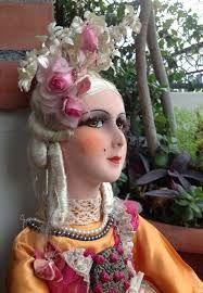 Antique French boudoir Doll / Poupée by FashionanticVintage Dollhouse Dolls, Miniature Dolls, Victorian Dollhouse, Modern Dollhouse, Miniature Houses, Boudoir, Antique Dolls, Vintage Dolls, Half Dolls