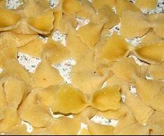 Drożdżówki z truskawkami i lukrem jest to przepis stworzony przez użytkownika AgaSawa. Ten przepis na Thermomix<sup>®</sup> znajdziesz w kategorii Słodkie wypieki na www.przepisownia.pl, społeczności Thermomix<sup>®</sup>. Snack Recipes, Snacks, Food, Snack Mix Recipes, Appetizer Recipes, Appetizers, Essen, Meals, Yemek