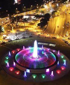 Bonita, bonita, Plaza de Venezuela. Caracas!!