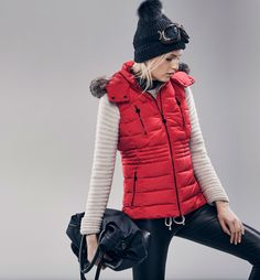 LIMITED EDITION QUILTED GILET WITH HOOD
