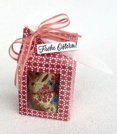 Milchkarton-Box Lindt, Christmas Ornaments, Holiday Decor, Box, Frame, Happy Easter, Seasons, Xmas Ornaments, Christmas Jewelry