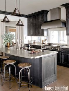 Totally LOVE this kitchen.and my favorite stools to boot! Best Kitchens of 2013 - Best Kitchen Designs 2013 - House Beautiful Kitchen Tops, Kitchen Redo, Kitchen And Bath, New Kitchen, Kitchen Cabinets, Gray Cabinets, Kitchen Ideas, Pine Cabinets, Kitchen Black