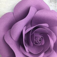 Paper Flower Patterns, Fabric Flowers, Paper Flowers, Book Page Roses, Nightmare Before Christmas Decorations, Cricut, Blooming Rose, Flower Template, Large Flowers
