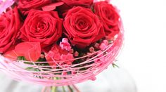 For their third edition, Digital Magazine Floral Fundamentals tasked several top tier florists to create designs using gorgeous Red Naomi Roses from Porta Nova. Design by Oscar von Flora