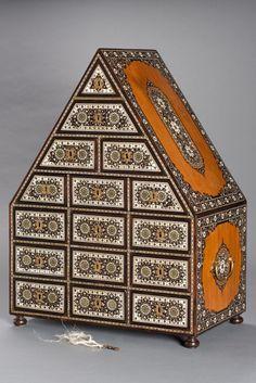 Cabinet - Asian Civilisations Museum Treasure Boxes, Casket, Civilization, Architecture Design, Exotic, Carving, Museum, Victorian, Asian