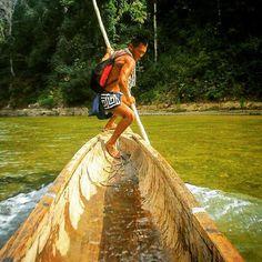 ¡Tremenda foto! Emberá. Río Chagres.