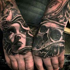 My saves riski hand tattoos, tattoos и tattoo designs 3d Tattoos, Skull Tattoos, Life Tattoos, Unique Tattoos, Body Art Tattoos, Sleeve Tattoos, Tattoos For Guys, Tattoos For Women, Cool Tattoos