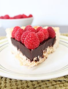 Chocolate Macaroon Pie - gluten and dairy free I don't eat sweets, but if I really want to splurge, this would be it. Paleo Dessert, Dessert Recipes, Gluten Free Sweets, Paleo Sweets, Köstliche Desserts, Delicious Desserts, Chocolate Macaroons, Chocolate Ganache, Macaroon Cookies