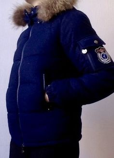 A vendre sur  vintedfrance  doudoune  marine  karlmarcjohn  36  hiver 3c9a05d6934