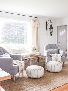 New Living/Dining Room 2019 Take a look inside this beautiful open-concept farmhouse! Tons of ideas for decorating and designing a farmhouse living and dining room! The post New Living/Dining Room 2019 appeared first on Curtains Diy. Cozy Living Rooms, Formal Living Rooms, Home Living Room, Living Room Designs, Modern Living, Shabby Chic Formal Living Room, Living Room Ottoman Ideas, Luxury Living, Ideas For Living Room