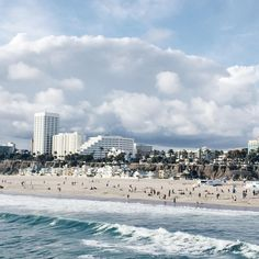 Explore LA like a #local and make Santa Monica Beach your next stop. With the ever-so-lovely #California weather and a view like this? Who could not resist? #travel #adventure