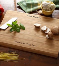 Father's Day gifting - Personalized Bamboo Cutting Board with Rubbing Kit