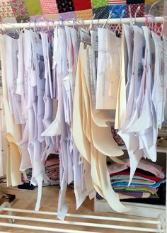 Coastal girls: pattern storage or: order must be. Small Sewing Space, Sewing Spaces, Sewing Rooms, Sewing Room Storage, Sewing Room Decor, Craft Room Organisation, Studio Room, Clay Studio, Sewing Studio