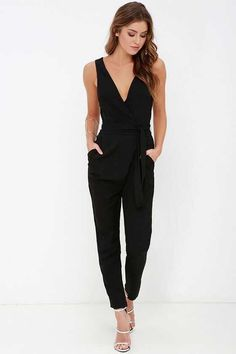 Here is Black Jumpsuit Outfit Picture for you. Black Jumpsuit Outfit jump start black jumpsuit schwarzer overall schwarzer. Look Fashion, Autumn Fashion, Womens Fashion, Fashion Trends, Simple Outfits, Cute Outfits, Look Formal, College Outfits, Mode Inspiration