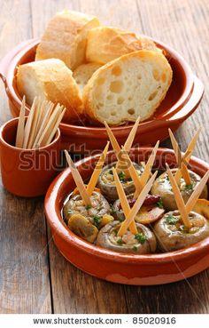 Champinones Al Ajillo ( Garlic Mushrooms)  http://recipegreat.com/imgs/129-champinones-al-ajillo--garlic-mushrooms-02.jpg.html