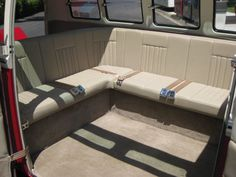 VW Bus Interior Vw T1 Camper, Kombi Motorhome, Vw Vanagon, Volkswagen Type 2, Vw Bus, Car Interior Design, Campervan Interior, Kombi Home, 4x4 Van