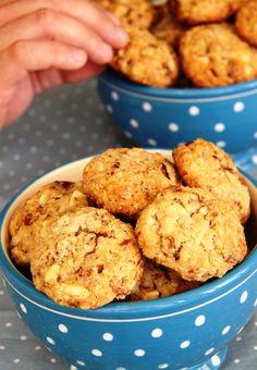 עוגיות שיבולת שועל, שוקולד לבן, תמרים ואגוזים של שירלי נמש