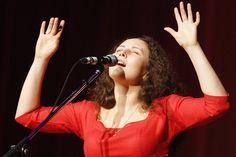 Концерт Алёны Ириной в бард-клубе «Гнездо глухаря» Москва 2016