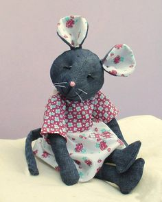 Raggedy Mouse sewing pattern. Recycle denims. Soft toy mice pattern. - Sewing Patterns at Makerist