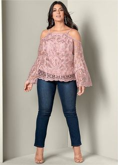 Lace bell sleeve top in 2019 size fashion одежда Designer Plus Size Clothing, Plus Size Womens Clothing, Clothes For Women, Plus Size Dresses, Plus Size Outfits, Curvy Outfits, Fashion Outfits, Casual Outfits, Plus Size Fashion For Women